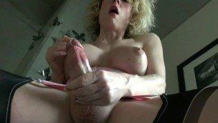 Horny mature tranny tastes her cum