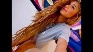 Hot teen tranny cam tease danse – more on Noxcams.com